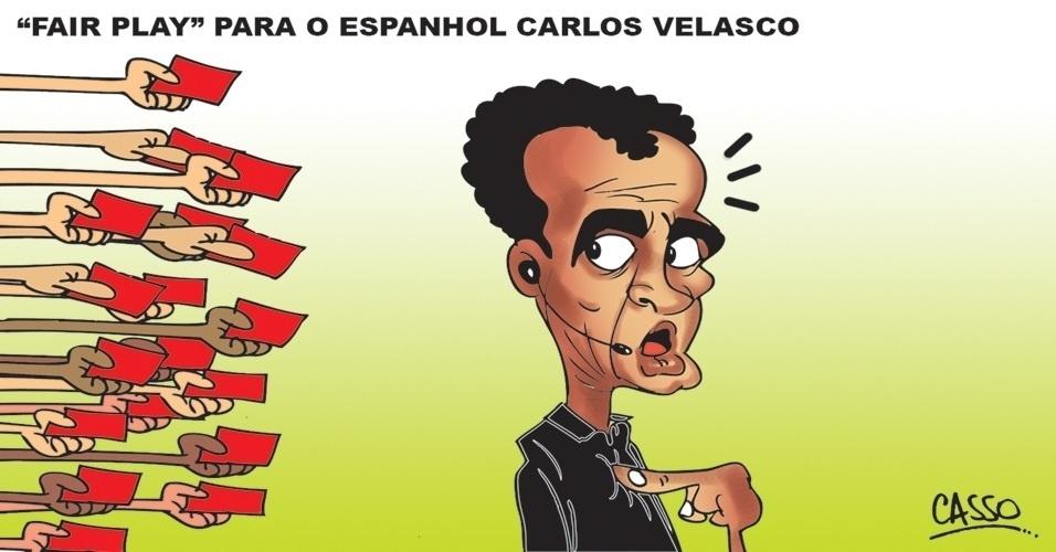 5.jul.2014 - O chargista Casso brinca com a atuação do juiz espanhol Carlos Velasco no jogo do Brasil contra a Colômbia pela Copa do Mundo