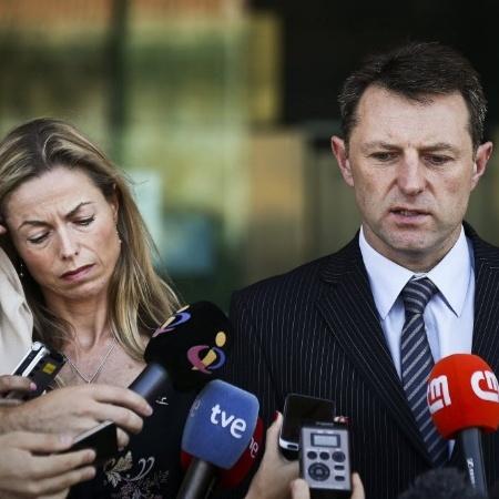 8.jul.2014 - Gerry e Kate McCann, pais de Madeleine, desaparecida em 2007  - Mario Cruz/EFE