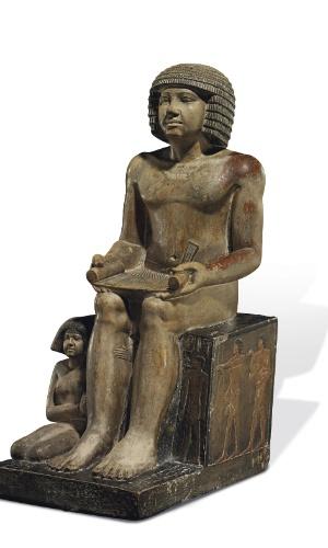 9.jul.2014 - Uma estátua egípcia de 4.000 anos exposta no Northampton Museum and Art Gallery, do Reino Unido, deve ir a leilão pela Christie's em Londres. A expectativa é que a peça seja arrematada por até US$ 10 milhões. O governo do Egito, no entanto, tenta impedir a comercialização da peça