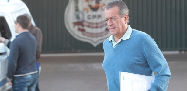 10.jul.2014 - O ex-deputado Valdemar Costa Neto deixa penitenciária para trabalhar