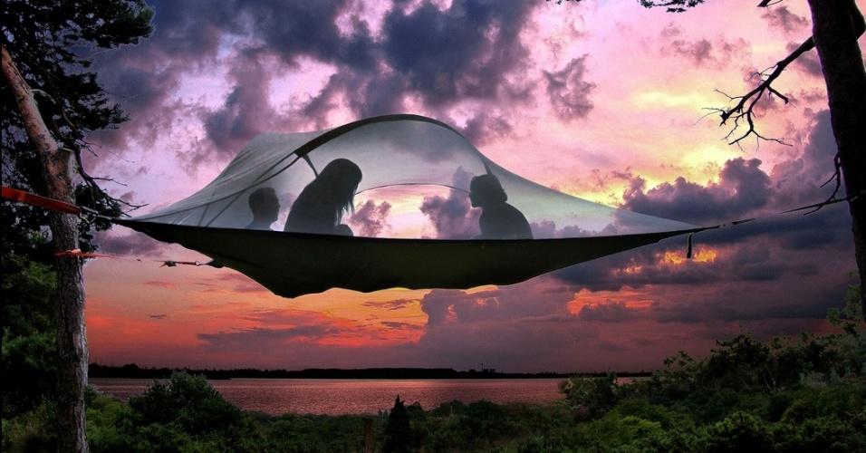 11.jul.2014 - Uma empresa britânica desenvolveu uma espécie de tenda que funciona como casa na árvore e que pode ser instalada facilmente em qualquer lugar, indicada principalmente para acampamentos