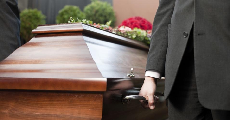 Enterro, caixão, funeral