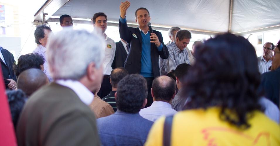 22.jul.2014 - O candidato do PSB à Presidência da República, Eduardo Campos, inaugurou espaço político de campanha no município de Marília, no interior de São Paulo, nesta terça-feira