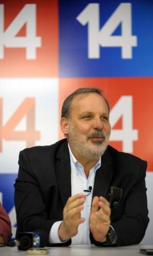 24.jul.2014 - Armando Monteiro (PTB-PE), candidato a governador, durante evento da coligação