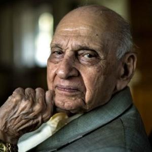 Aos 90, Mahinder Watsa faz sucesso com respostas curtas e diretas sobre sexo