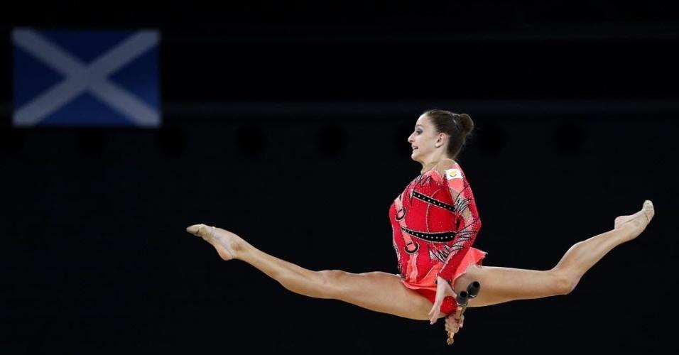 26.jul.2014 - Ginasta do Chipre realiza performance durante prova final de ginástica rítmica nos jogos da Comunidade Britânica de 2014, em Glasgow, na Escócia