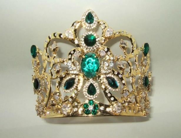 Coroa dourada e ornamentada com pedras em tons de verde será um dos prêmios - Divulgação