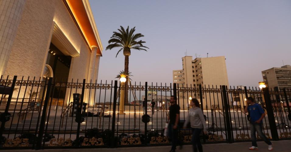 30.jul.2013 - Palmeira ganha destaque na fachada do Templo de Salomão, ligado à Igreja Universal do Reino de Deus, construído na região central de São Paulo