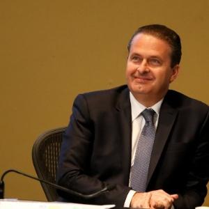 O candidato à Presidência da República Eduardo Campos (PSB) apresenta propostas a empresários durante sabatina promovida pela CNI (Confederação Nacional da Indústria)