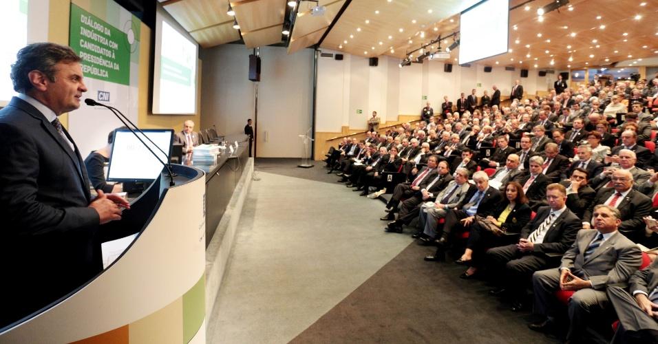 30.jul.2014 - O candidato à Presidência da República pelo PSDB, Aécio Neves, participou, nesta quarta-feira, em Brasília, da sabatina promovida pela Confederação Nacional da Indústria (CNI)