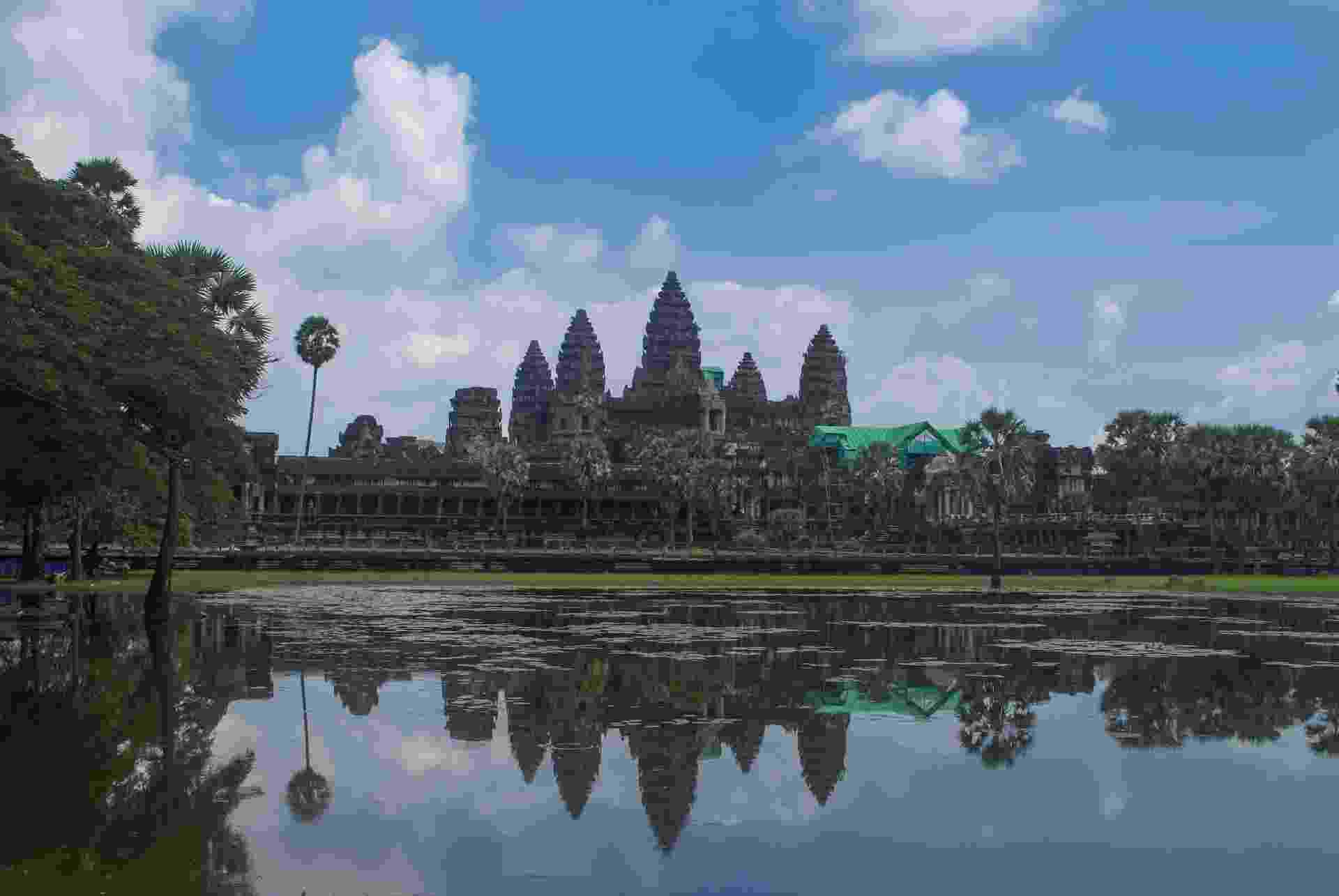 O templo hindu-budista de Angkor Wat, no Camboja, é a maior construção religiosa do mundo - Pedro Fandiño/ Folhapress
