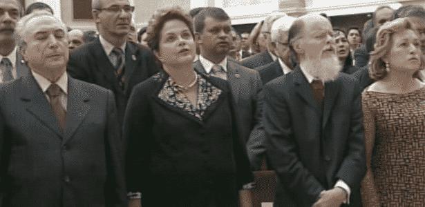 A presidente Dilma Rousseff assistiu à cerimônia ao lado do bispo Edir Macedo - Reprodução