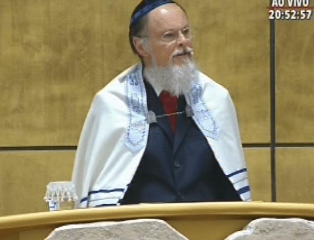 31.jul.2014 - O bispo e líder da Igreja Universal do Reino de Deus, Edir Macedo, fala ao público durante cerimônia de inauguração do Templo de Salomão