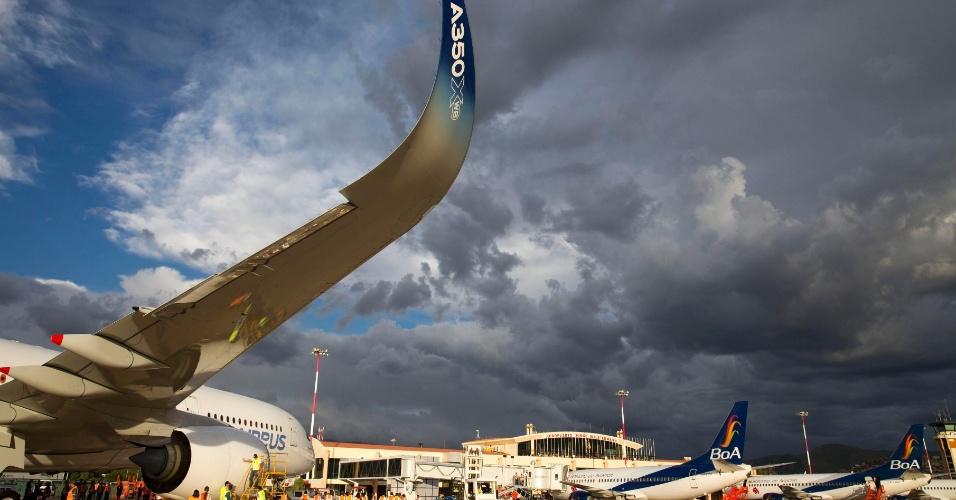 Avião A350 XWB, da Airbus, fazendo testes em condições extremas de altitude, na Bolívia