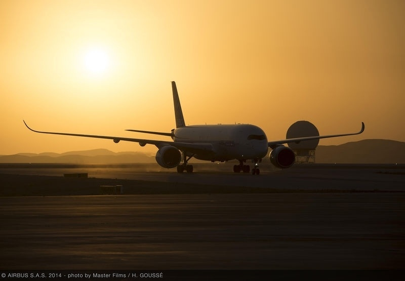 O A350 XWB, da Airbus, foi testado em condições extremas de calor, em Al Ain, nos Emirados Árabes Unidos...