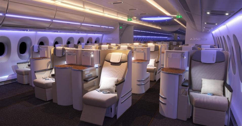 Poltronas da primeira classe do A350 XWB, nova família de aviões que está sendo testada pela Airbus