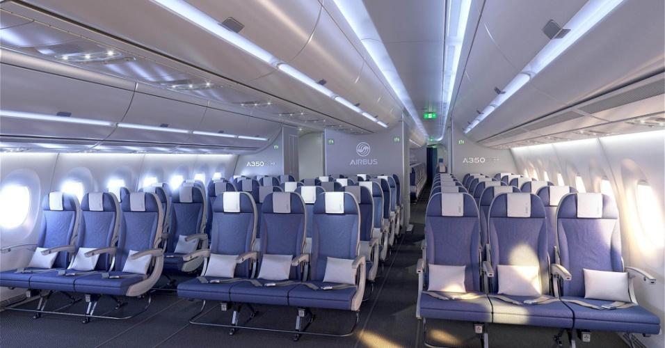 Visão da classe econômica de um dos aviões de teste do modelo A350 XWB, da Airbus. O primeiro modelo comercial deve ser entregue à Qatar Airlines até o final de 2014