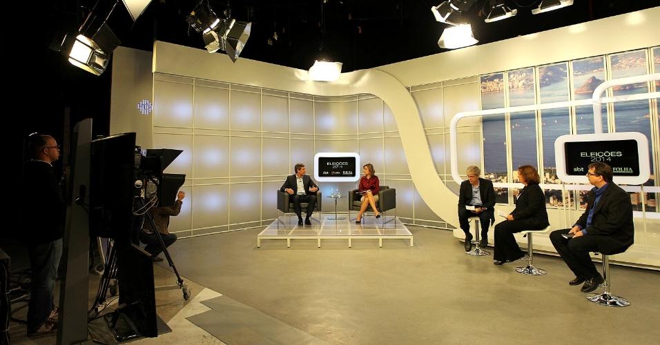 5.ago.2014 - O candidato ao governo do Rio de Janeiro pelo PT, Lindberg Farias, é sabatinado pelos jornalistas Maurício Stycer, repórter e crítico do portal UOL, Fernanda Godoy, repórter da