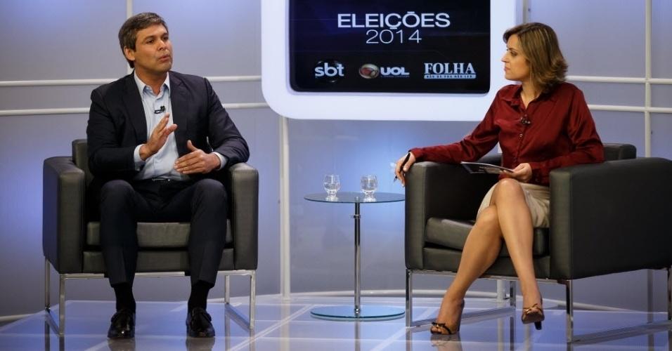5.ago.2014 - O candidato ao governo do Rio de Janeiro pelo PT, Lindberg Farias, participa de sabatina organizada pelo UOL, pela
