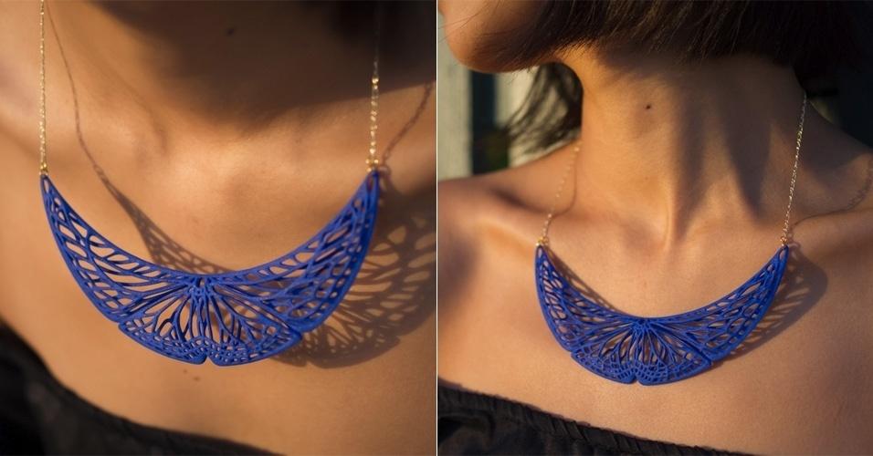A loja virtual Ann x Ann x Design vende este colar feito com impressora 3D, com formato inspirado no de uma borboleta. A peça é feita de plástico e custa US$ 65 (cerca de R$ 148) nos Estados Unidos