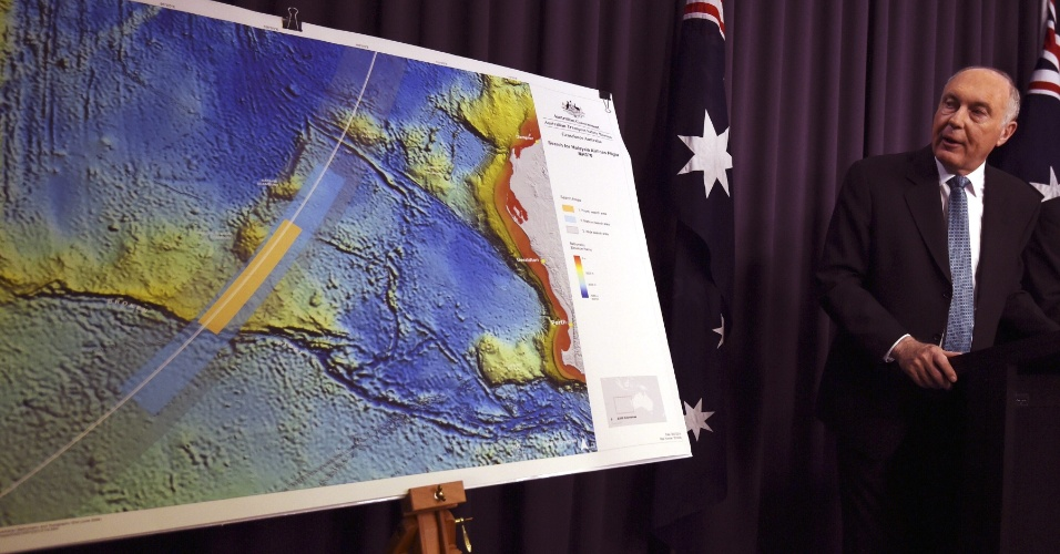 6.ago.2014 - O vice-primeiro-ministro da Austrália, Warren Truss, anunciou o vencedor do contrato para realizar as buscas pelo voo MH370, desaparecido desde 8 de março, durante coletiva de imprensa na capital, Camberra