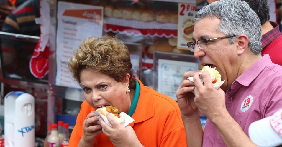 Presidente da República e candidata a reeleição, Dilma Rousseff, visita em campanha a cidade de Osasco, na grande São Paulo, SP, na manhã deste sábado (9). Ela foi acompanhada pelo candidato do PT ao governo do Estado de São Paulo, Alexandre Padilha