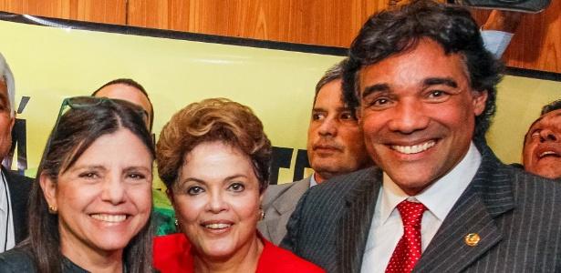Lobão Filho (à dir.), ao lado da presidente Dilma (centro) e de Roseana (à esq.)
