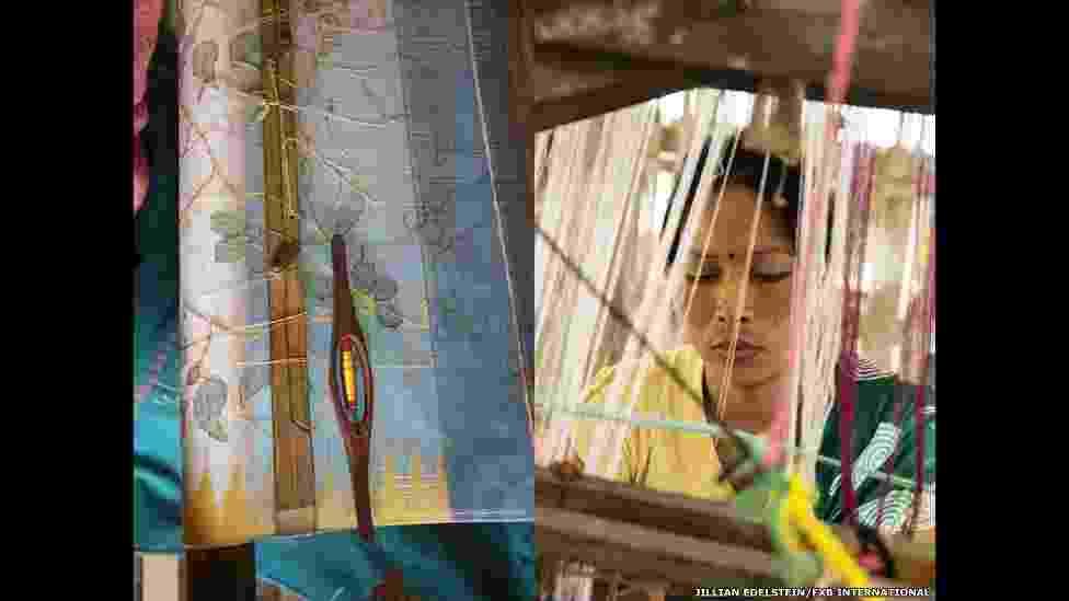 """18.ago.2014 - Salam Abem também é portadora do vírus HIV e vive na Índia. """"Ela perdeu seu marido para a Aids e é membro de um grupo apoiado pela FXB, que lhe rende cerca de 2 mil rúpias indianas (cerca de R$ 750) por mês"""", diz a ONG - Jillian Edelstein"""