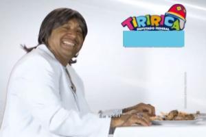 12.ago.2014 - Em horário eleitoral, Tiririca faz paródia com Friboi e Roberto Carlos