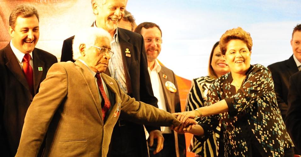 23.ago.2014 - A presidente Dilma Rousseff chegou ao Rio Grande do Sul na última quinta-feira (21) para cumprir agenda de campanha à reeleição. Em Porto Alegre, na manhã deste sábado, ela se encontrou com prefeitos, vice- prefeitos e vereadores gaúchos
