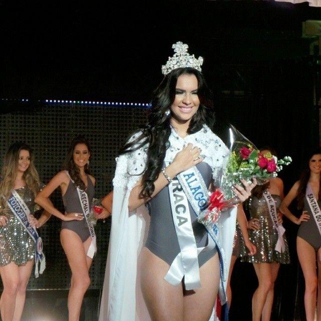 23.ago.2014 - Aline Karla, 20, foi eleita Miss Alagoas 2014. A bela desbancou outras 19 candidatas e conquistou os jurados com curvas esculturais distribuídas em 1,75 m de altura. A bela é uma feroz defensora das causas sociais e apaixonada por animais