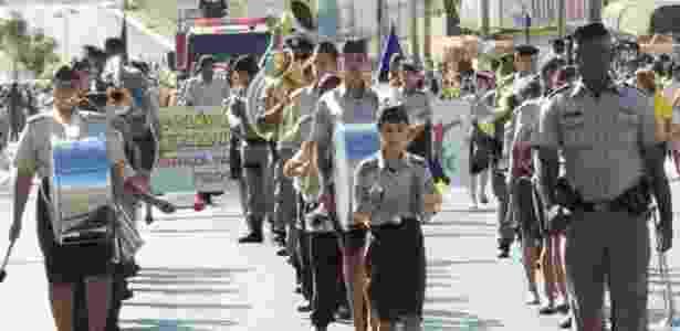 """Para acabar com a violência, o governo estadual de Goiás """"militarizou"""" as escolas mais problemáticas - Fernando Pessoa/CPMG"""