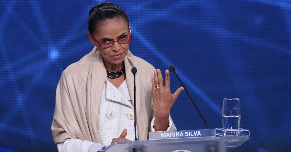 26.ago.2014 - A candidata Marina Silva (PSB) participa do primeiro debate entre os concorrentes à Presidência, promovido pela TV Bandeirantes nesta terça-feira em São Paulo (SP)