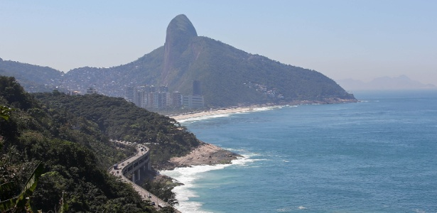 Obra em Elevado do Joá (foto) vai derrubar 69 mil m² de mata à beira do Oceano Atlântico