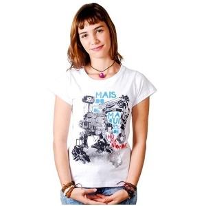 cf612ae394 Fãs de poesia faturam R  250 mil vendendo camisetas com trechos de ...