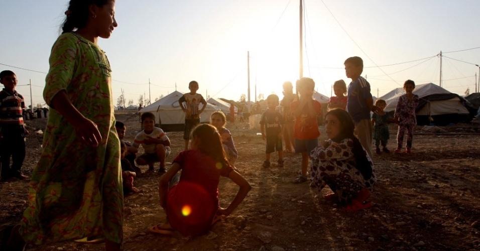 27.ago.2014 - Milhares de crianças iraquianas estão desabrigadas após o violênto avanço dos jihadistas do Estado Islâmico no país