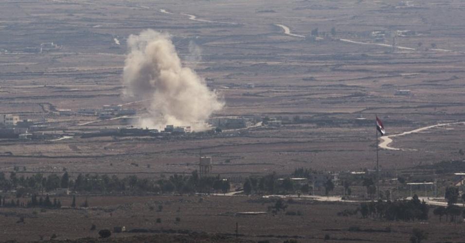 28.ago.2014 - Fronteira da Síria com Israel enfrenta série de explosões nesta quinta-feira (28). O grupo jihadista Frente al Nusra, braço da Al Qaeda, capturou mais de 40 membros das forças de paz da ONU nas Colinas de Golã