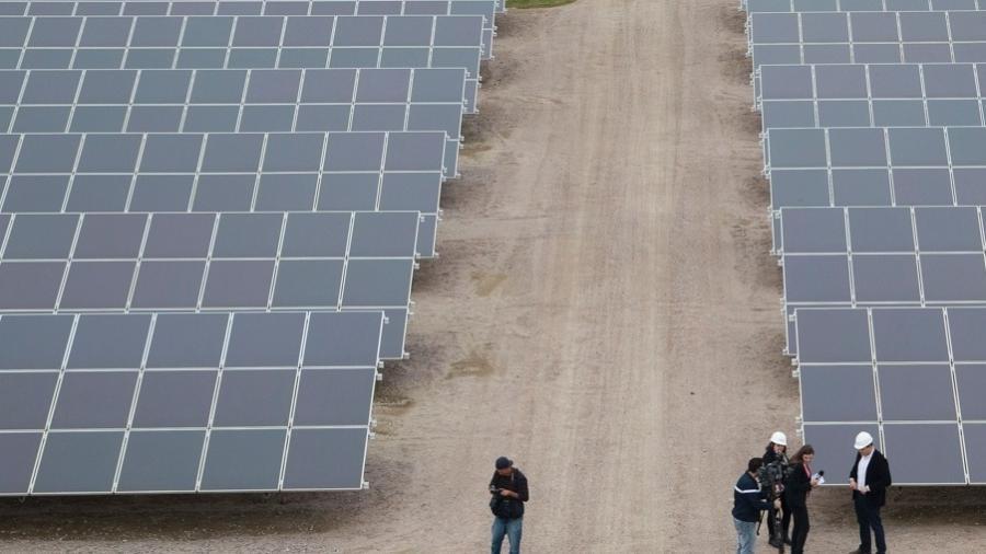 Usina de energia solar do Brasil, localizada em Turbarão, no sul de Santa Catarina - Plinio Bordin/Divulgação