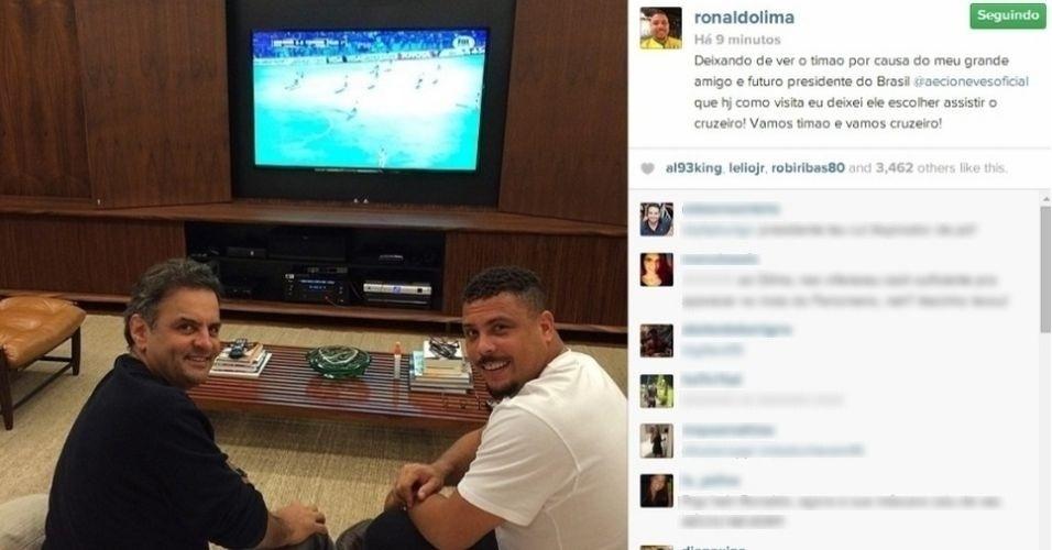 Ronaldo e Aécio Neves veem jogo do Cruzeiro