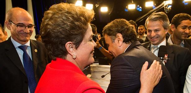 Tapinha nas costas - Eduardo Knapp/Folhapress