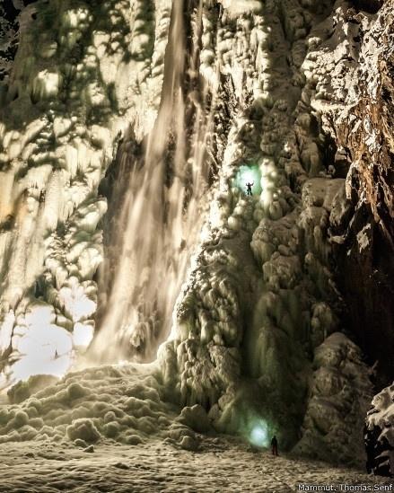 """1º.set.2014 - """"Em um certo momento, a cascata de gelo parecia uma caverna de estalactites ou uma catedral gótica"""", destaca Arnold"""