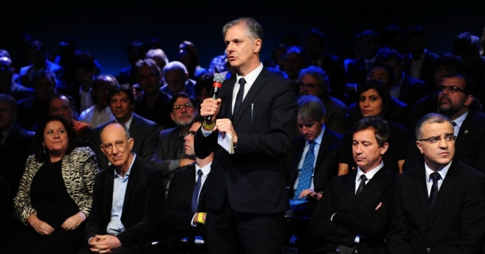 1º.set.2014 - Fernando Rodrigues, do UOL, questiona Pastor Everaldo (PSC) sobre processo no qual o candidato é acusado por uma mulher, Cátia Maia, de agressão