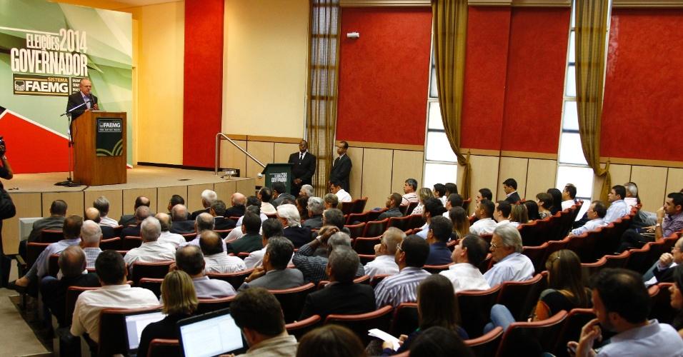 2.set.2014 - O candidato a governador de Minas Pimenta da Veiga (PSDB) fala durante reunião na FAEMG (Federação da Agricultura e Pecuária do Estado de Minas Gerais)