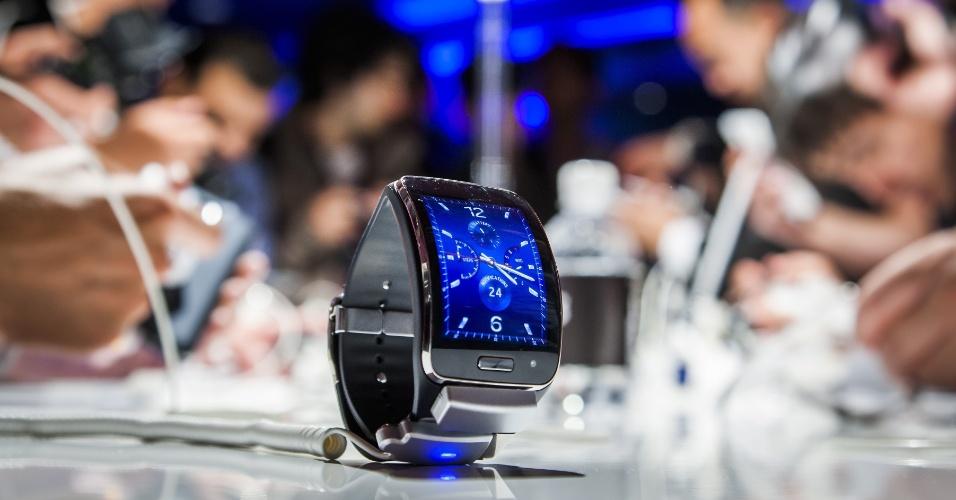 3.set.2014 -  A Samsung apresentou o Gear S em evento prévio à IFA 2014, feira de tecnologia em Berlim, na Alemanha