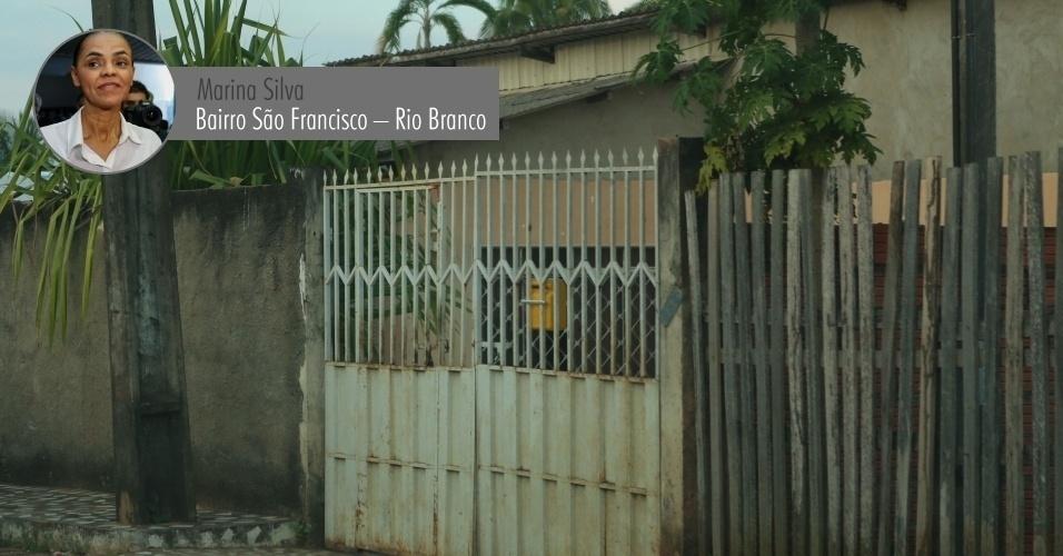 4.set.2014 - A candidata à Presidência Marina Silva (PSB), declarou à Justiça Eleitoral uma casa no bairro São Francisco, em Rio Branco, no valor de R$ 60 mil. Apesar da casa ser o único imóvel declarado por Marina, a ex-senadora mora em um apartamento no Lago Norte, em Brasília, alugado por R$ 4.330 por mês. Quando está em São Paulo, a ex-senadora fica em um apartamento cedido por um fazendeiro filiado ao DEM (partido da coligação de Aécio Neves), que é também dono de uma rede de distribuição e de postos de combustível. Segundo a campanha, o apartamento será declarado como uma doação no valor de R$ 9.300 para o TSE