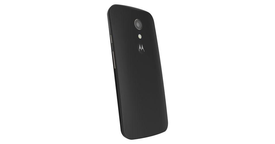 5.set.2014 - Como novidade, o Moto G traz uma nova versão com TV digital e a possibilidade de aumentar o armazenamento com chip microSD (isso só era disponível na versão 4G). Ele vem com processador quad-core (de quatro núcleos) de 1,2 GHz, tela de 5 polegadas e duas câmeras -- uma traseira de 8 megapixels e outra frontal de 2 megapixels. O aparelho conta com conexão móvel 3G e Wi-Fi5.set.2014 - A Motorola apresentou nesta quinta-feira (4) sua nova linha de smartphones na sede da empresa, em Chicago (EUA). A partir desta sexta-feira (5), a companhia começa a vender novos modelos do Moto G (aparelho que está deitado à frente) com preços que variam entre R$ 699 e R$ 799. A fabricante também lançou o Moto X (smartphones na vertical) e um relógio inteligente, o Moto 360. O lançamento dos dispositivos é exclusivo para o mercado brasileiro