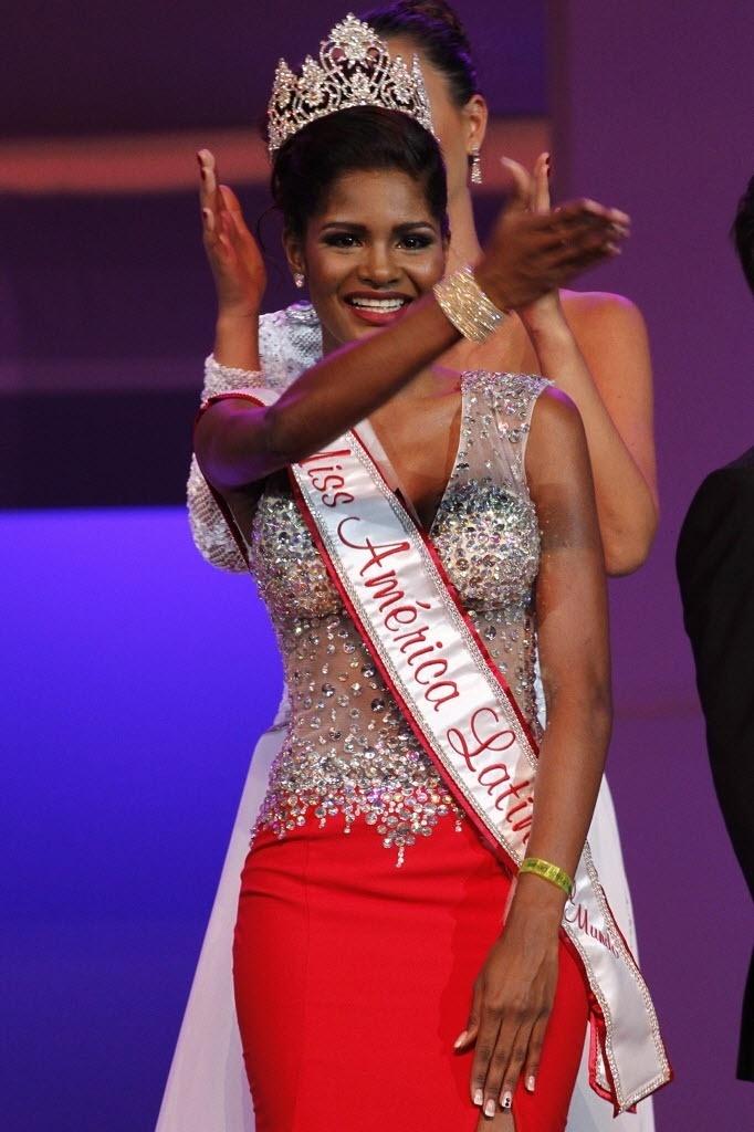 7.set.2014 - Nicole Pinto, do Panamá, é a vencedora do concurso Miss América Latina 2014, que aconteceu em Punta Cana, na República Dominicana