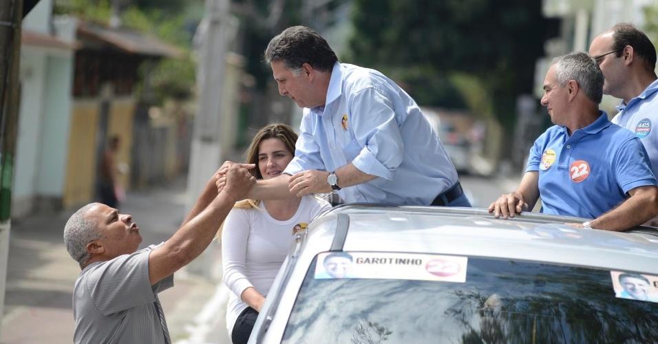 8.set.2014 - O candidato ao governo do Rio Anthony Garotinho (PR) faz carreata em Mangaratiba, região metropolitana do Rio de Janeiro
