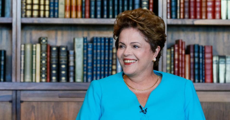 """8.set.2014 -A presidente Dilma Rousseff concede entrevista ao jornal """"O Estado de S. Paulo"""", nesta segunda-feira, em Brasília. Durante a entrevista, Dilma disse que desconhecia qualquer suposto esquema de corrupção dentro da Petrobras, mas que o governo vai se empenhar na investigação"""