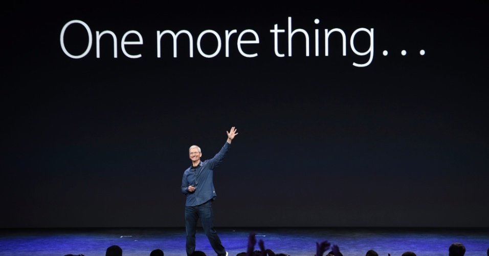 Tim Cook, diretor-executivo da Apple, usa a famosa frase de Steve Jobs, cofundador da empresa morto em 2010, para anunciar o relógio inteligente Apple Watch